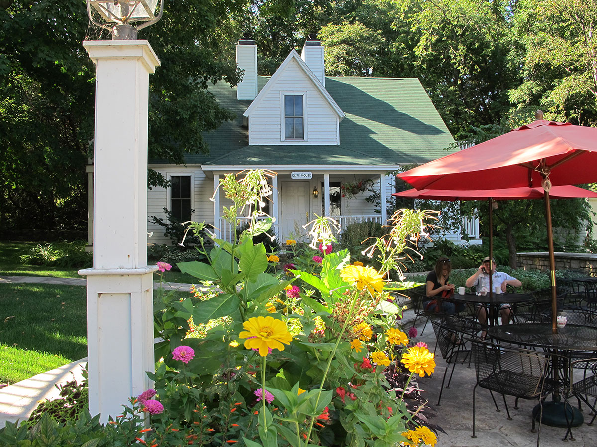 Homes cottages door county lodging resorts for White gull inn fish creek wi