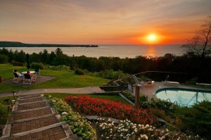 Spring 2016 lodging packages in door county wi egg for Door county lodging fish creek
