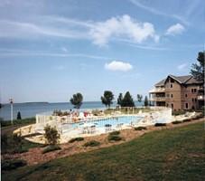 Bay Shore Inn pool