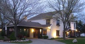 Settlement Courtyard Inn front3crop2