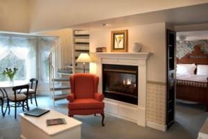 Eagle Harbor Inn 2 Bedroom Whirlpool Suite