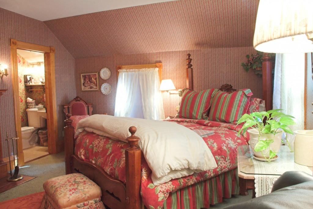 White Lace Inn Room #9